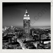 На фото Обои Komar 70 x 70 Empire State Building at Night