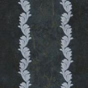 На фото 18905